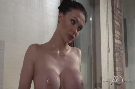 После ужина секси Алетта Оушен с удовольствием дает в анал 1