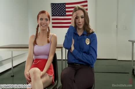 Охранница связала девку и поизвращалась над ней 1