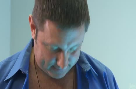 Молодая Лила Стар соблазнила мужика на трах в солярии 3