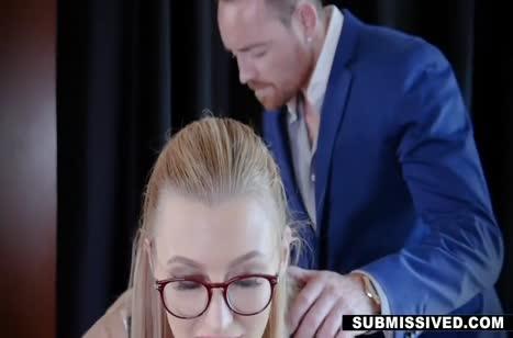 Жарко прокатил на члене очкастую блондинку 2