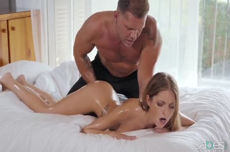 Муж жестко пялит красивую жену в анал без остановки 2